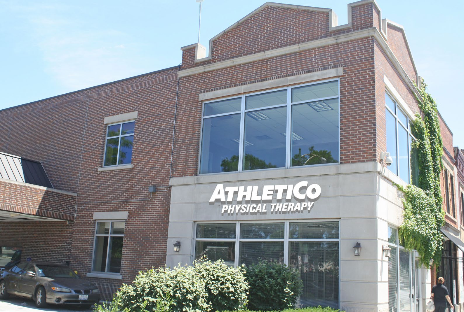 Net Lease Athletico
