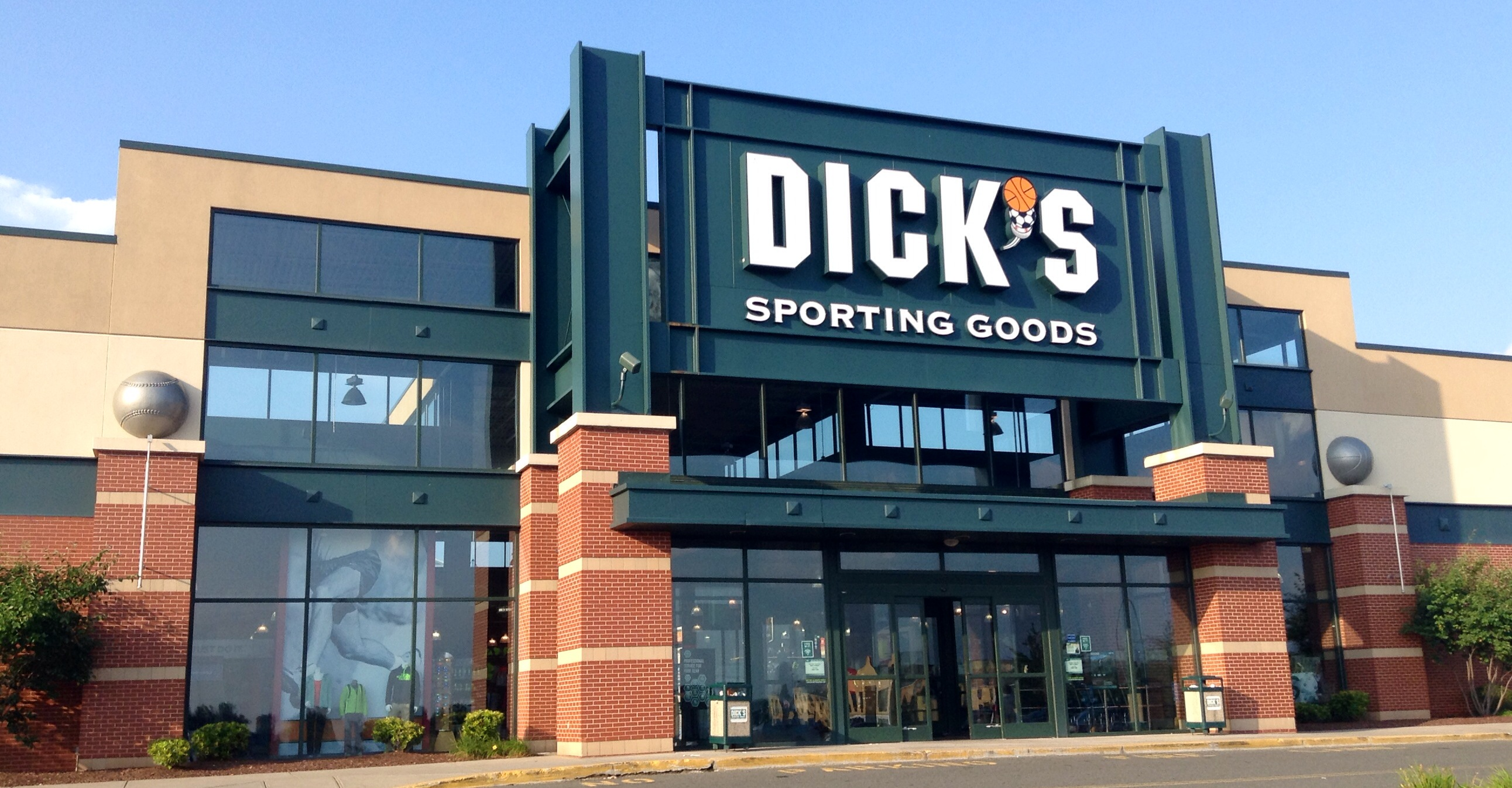 Net Lease Dick's Sporting Goods