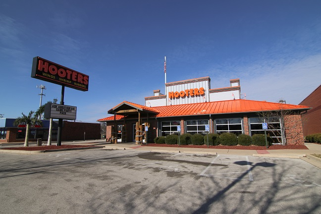 Net Lease Hooters