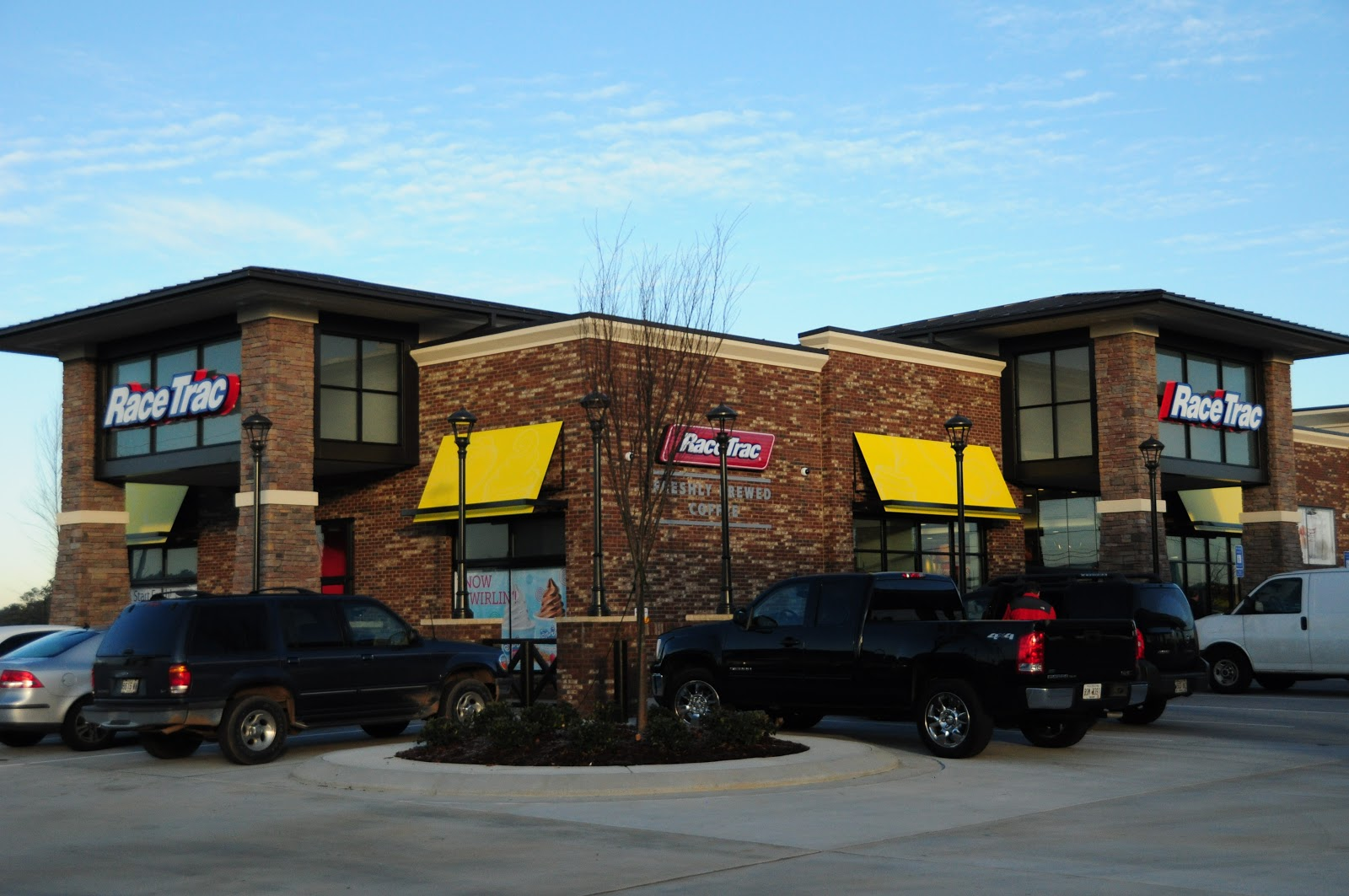 Net Lease RaceTrac Property Profile and Cap Rates - The